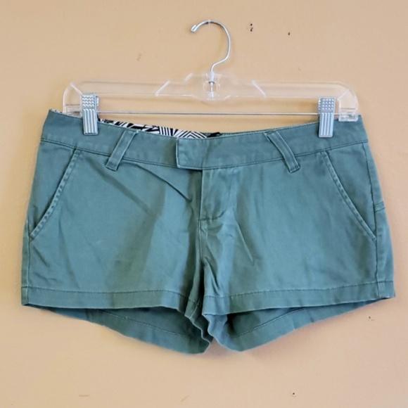 Volcom Pants - Volcom Size 3 shorts
